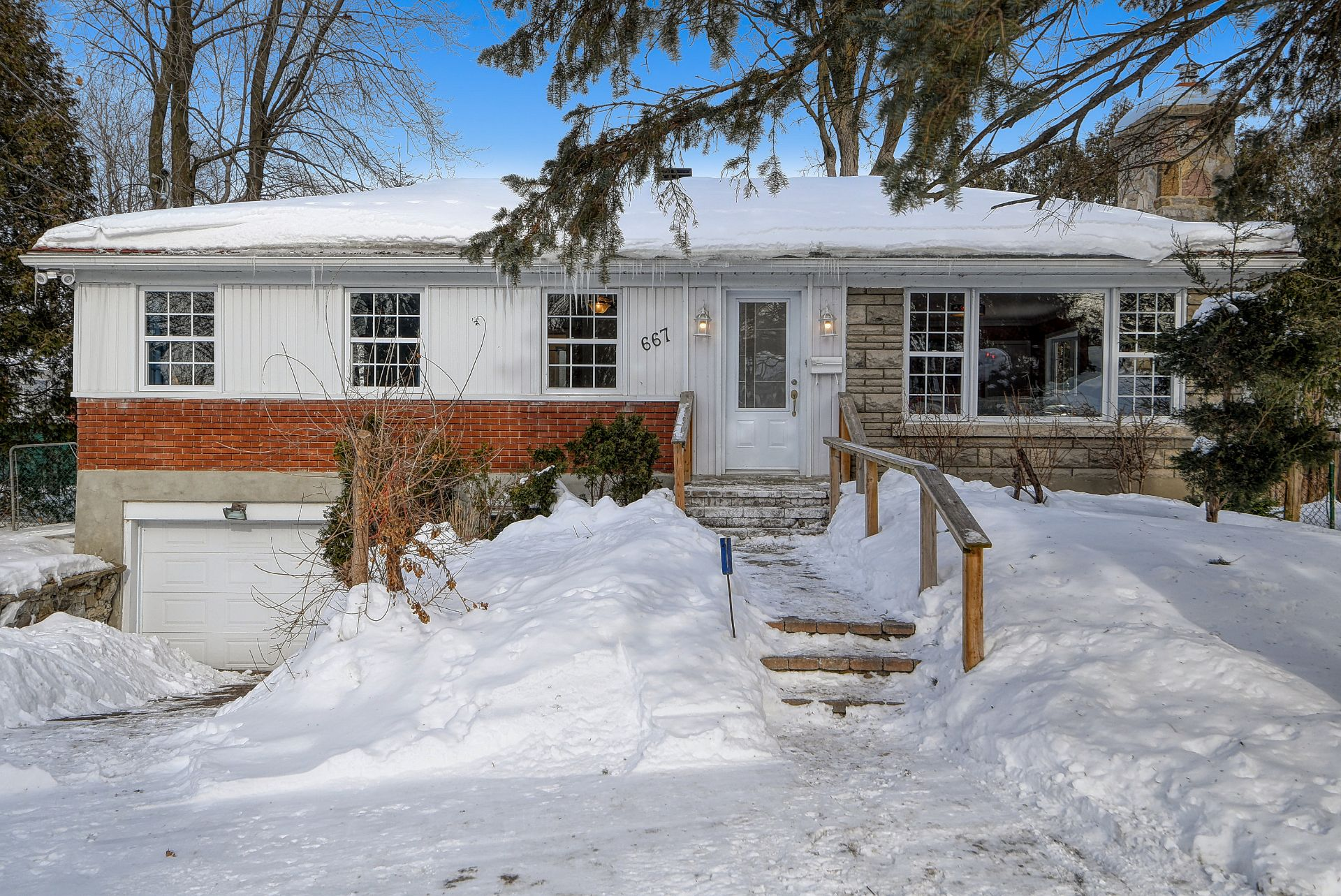 Bungalow sold, Dorval