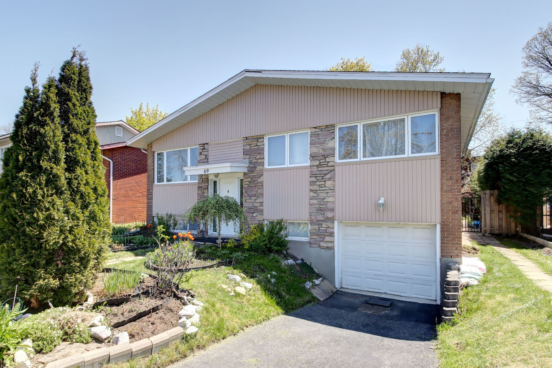 One-and-a-half-storey house for sale, Longueuil (Greenfield Park)